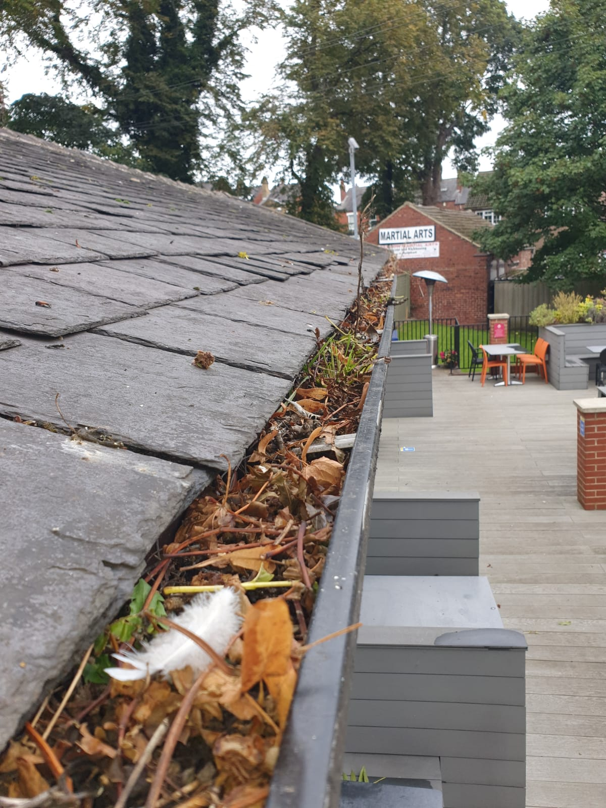 gutter-clearing-restaurant-rothwell-pcc